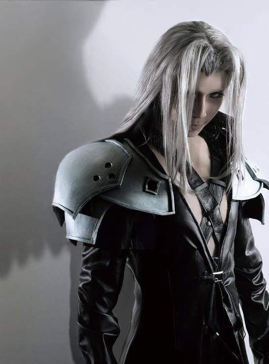 This Sephiroth Cosplay Is The Perfect Homage To The One-Winged Angel