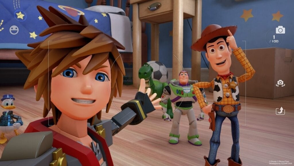 Kingdom Hearts III Lets You Take Selfies With The 'Gummiphone'